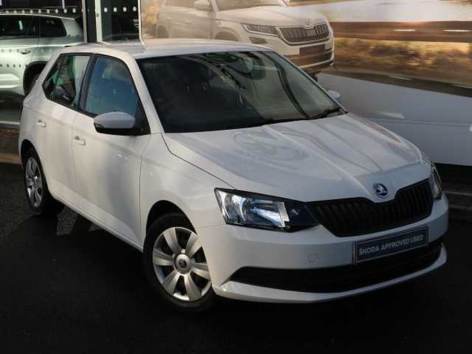 SKODA Fabia 1.0 MPI (60ps) S Plus (s/s) 5-Dr Hatchback